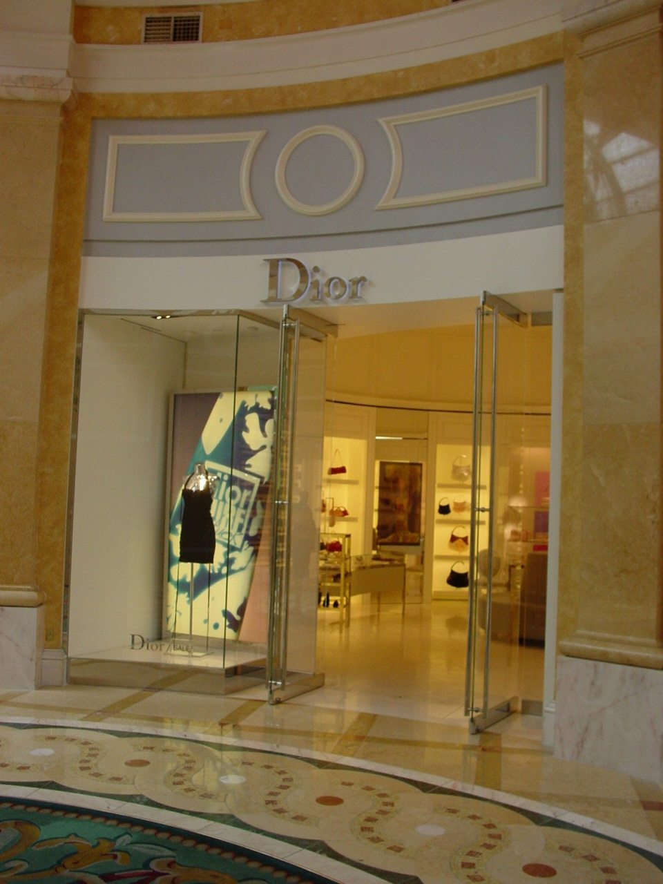 MATT construction Christian Dior Bellagio Hotel Exterior Front Entrance