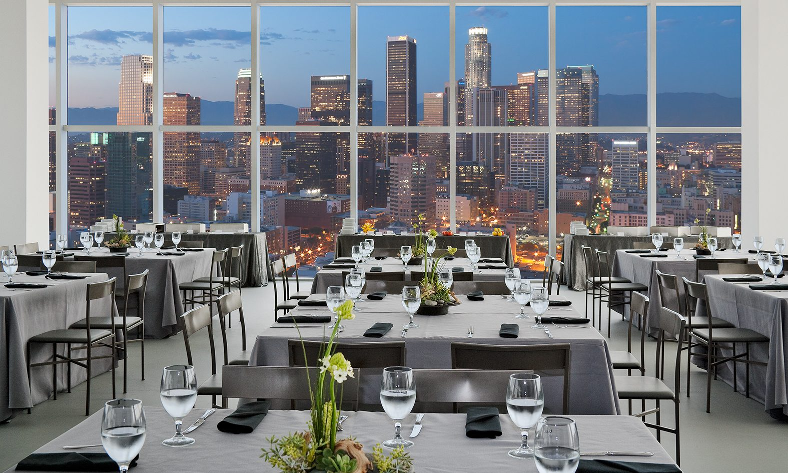 MATT construction AT&T Tower Penthouse Interior Dining Skyline
