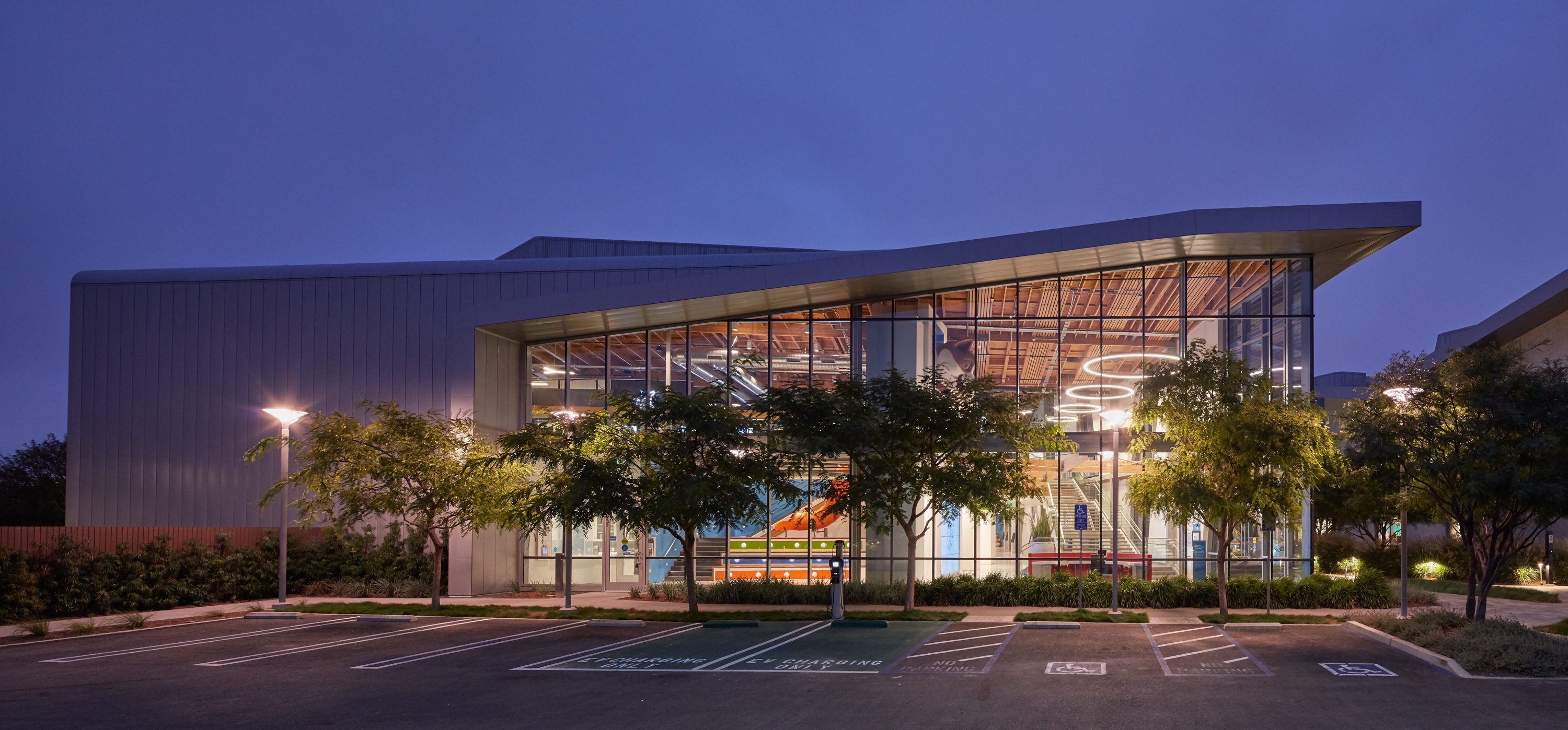 MATT construction Annenberg Playa Vista PetSpace exterior night